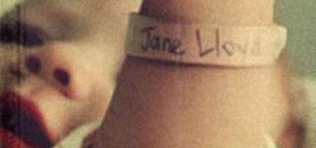 Jane Lloyd corto