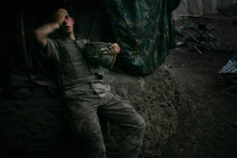 Soldado exhausto en Afganistán, nuevo World Press Photo 2007