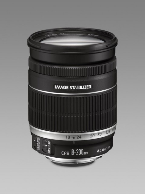 Canon EF-S 18-200mm IS